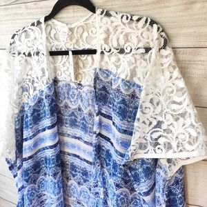 🎈2/$20 NWT Charming Charlie Kimono OS